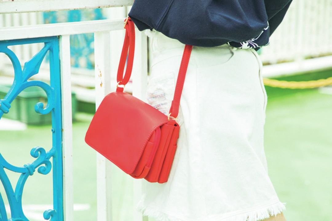#赤のミニバッグ もフォトジェポイント♡