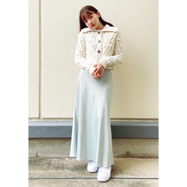 キレイ色サテンスカートが女っぽ♡