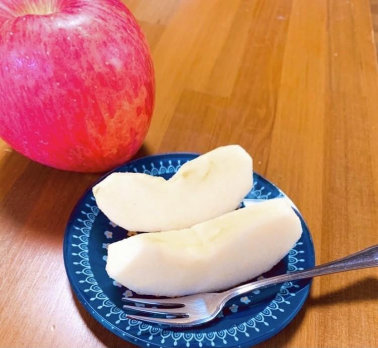 ⑦ 朝にりんごを食べる!