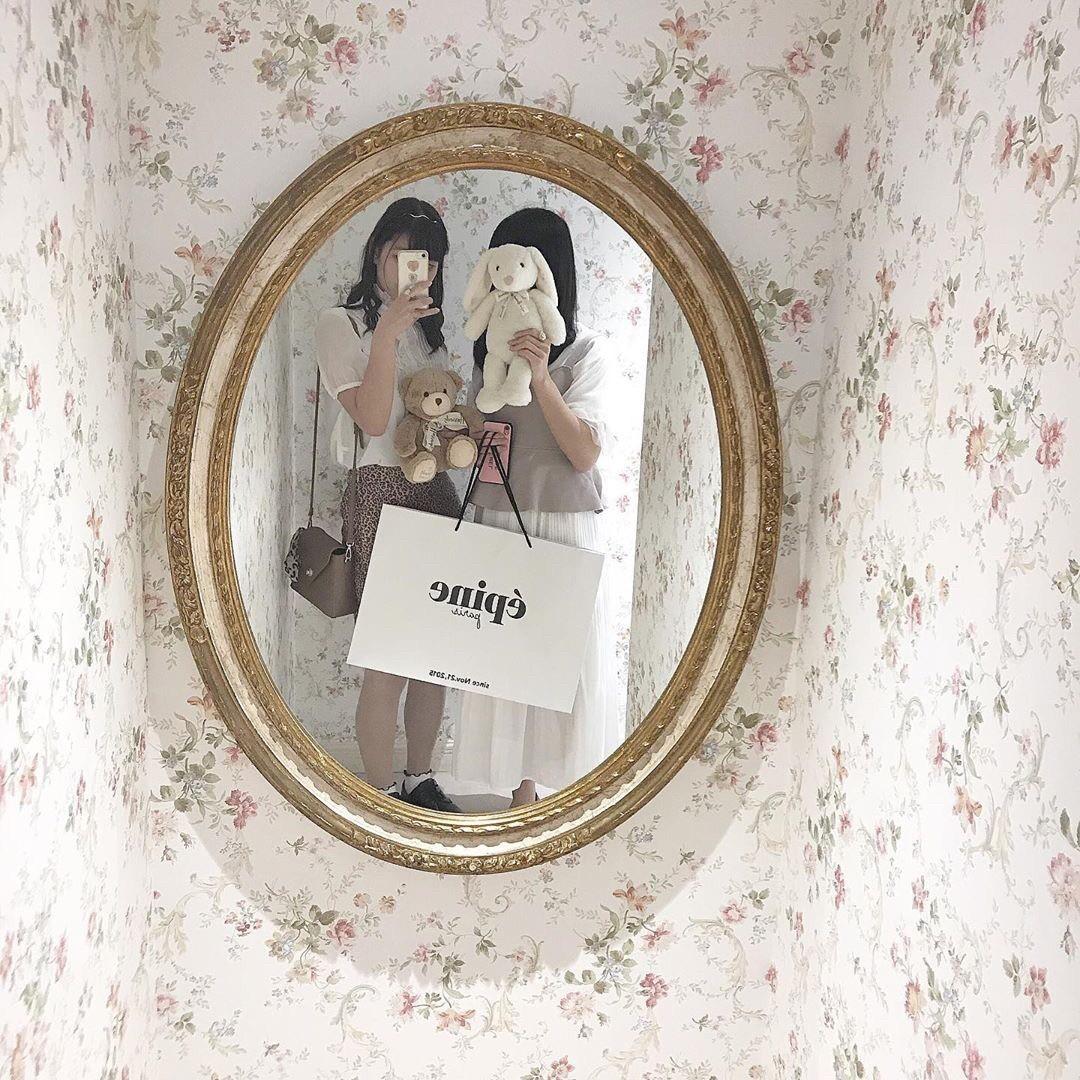 店内の鏡がインスタ映え♡