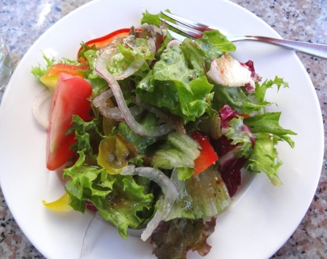 ③食事はサラダや野菜ものから!