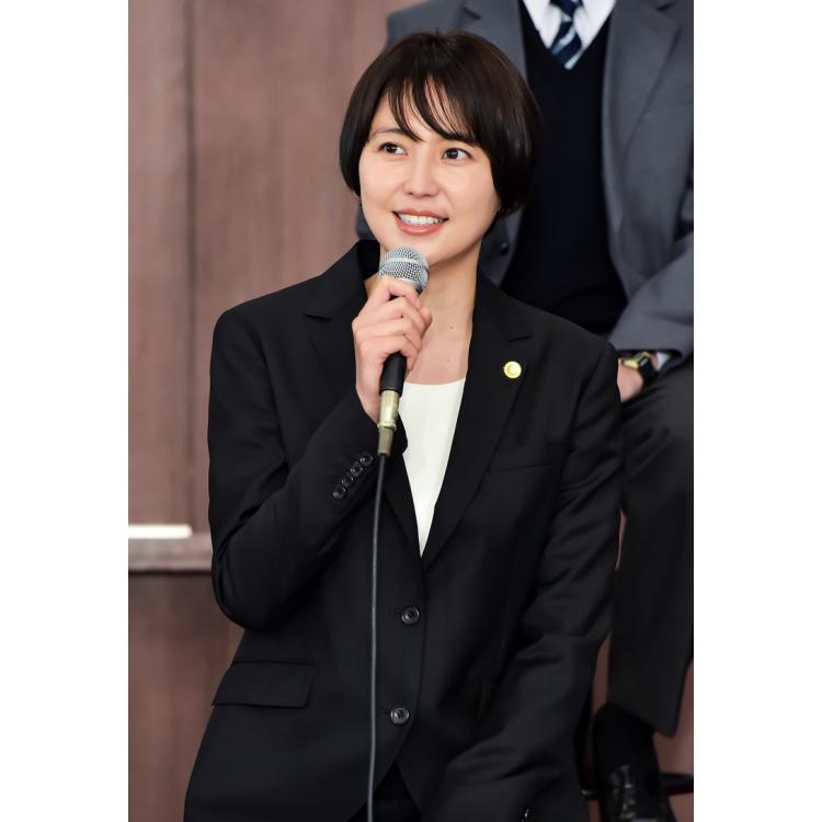 長澤まさみさん、及川光博さん、佐野勇斗くんなど、豪華キャストにも注目。