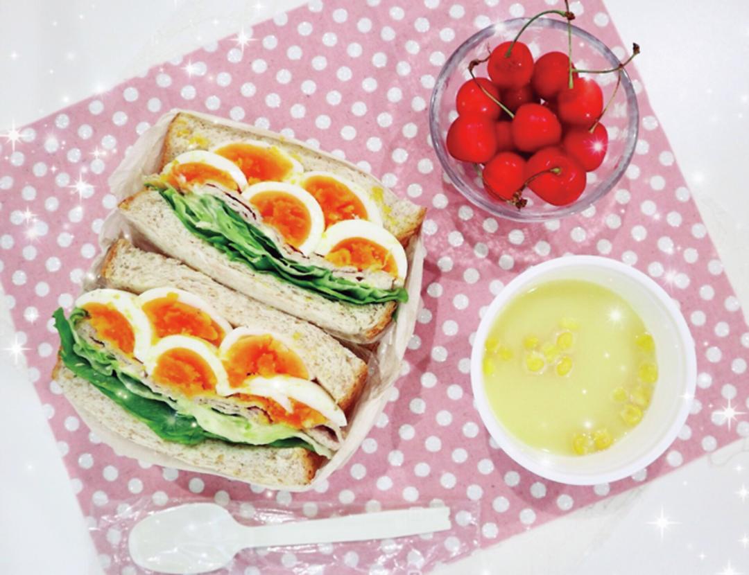 糖質オフ食パン使用のサンドイッチ弁当