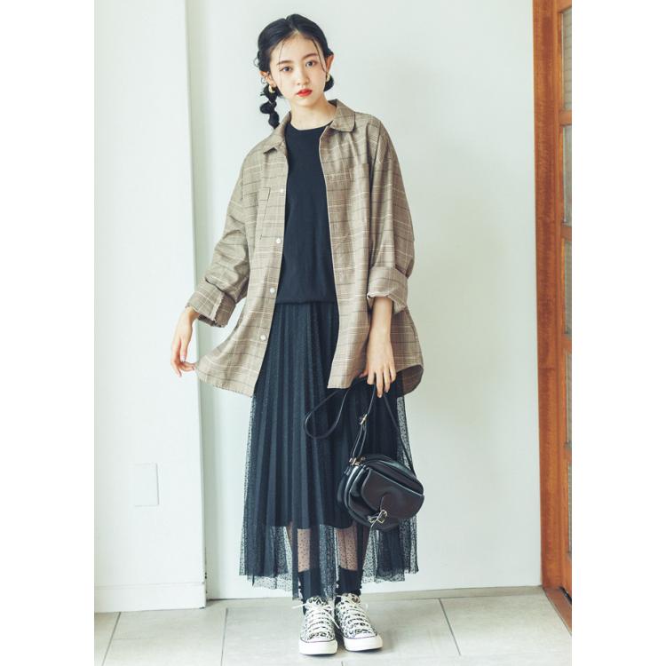 美沙希ちゃんの私服コーデ。おしゃれだけどちょっとカタイ印象?