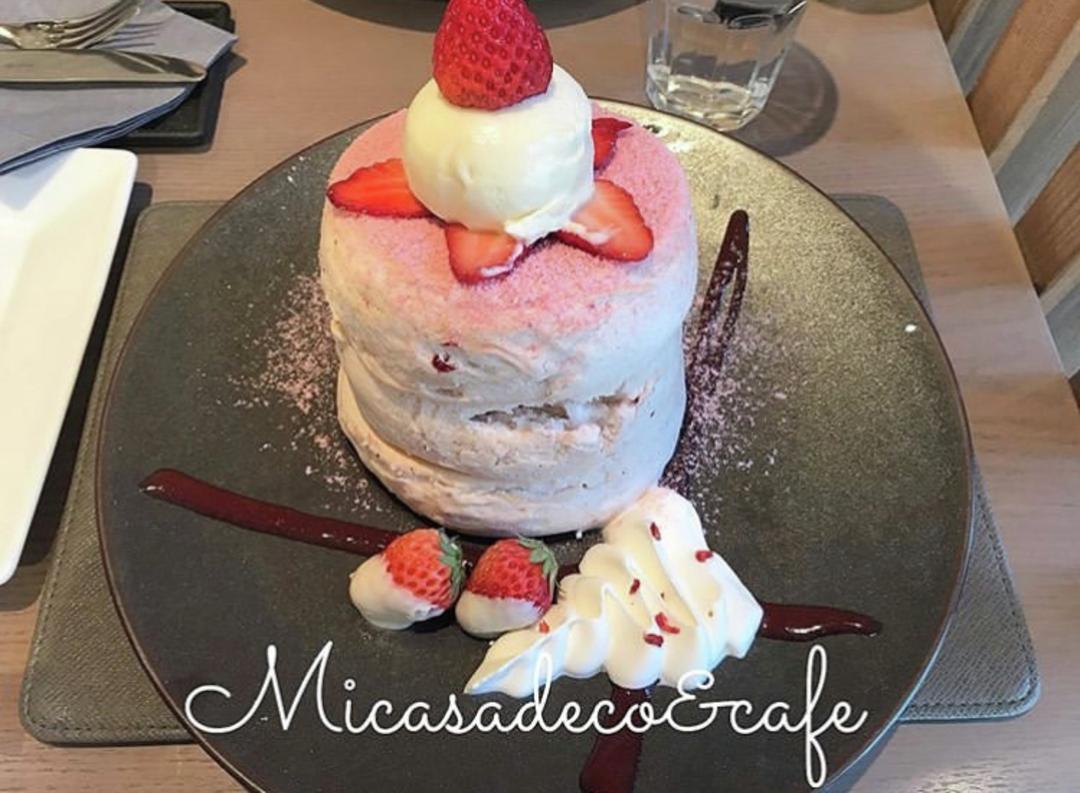 苺とホワイトチョコの相性抜群! 「Micasadeco&cafe(ミカサデコ&カフェ)神宮前」