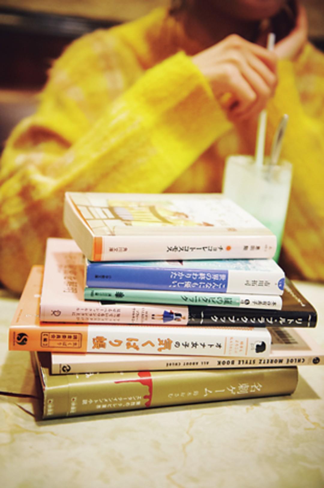 撮影で使ったのは、花恋のリアル愛読書だよ