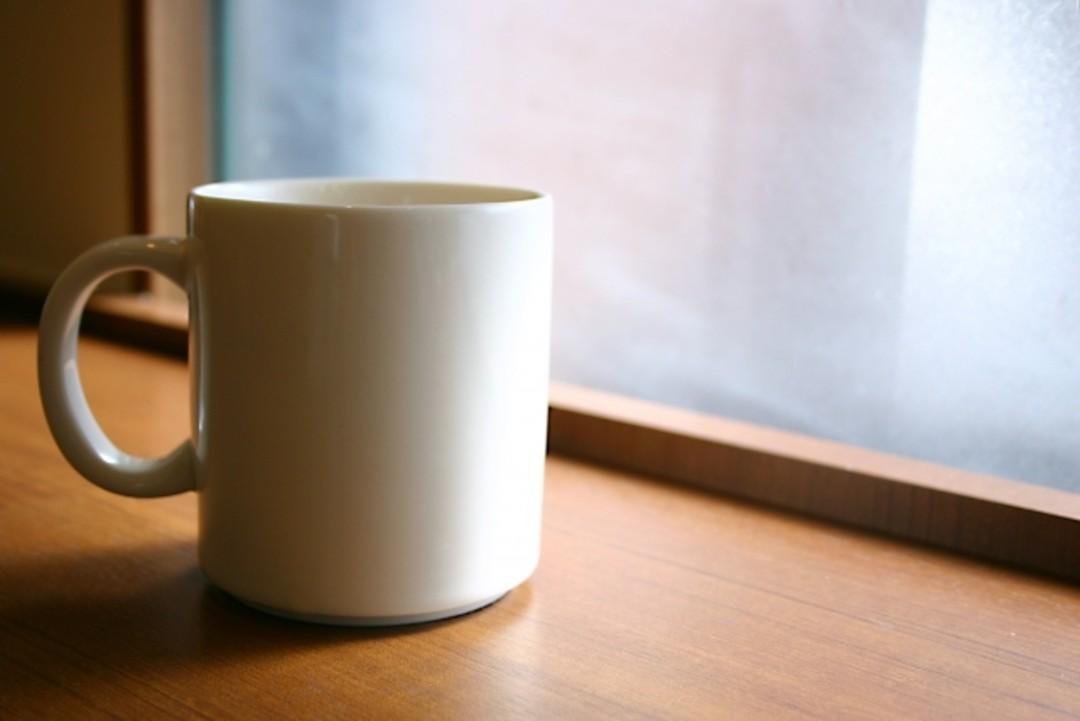 ①朝、コップ1杯の水か白湯を飲む!