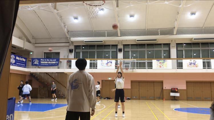 粟谷さんのシュート練習をリング裏から激写!
