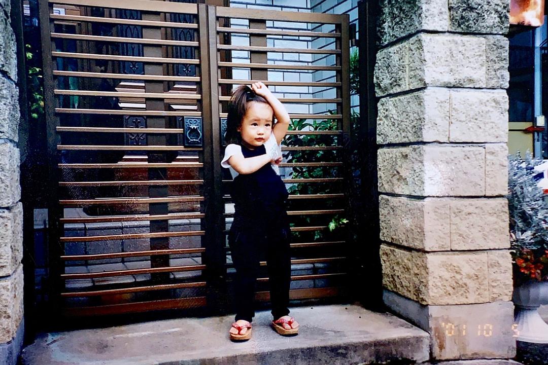 ポーズがかわいすぎる2歳の花恋ちゃん♡