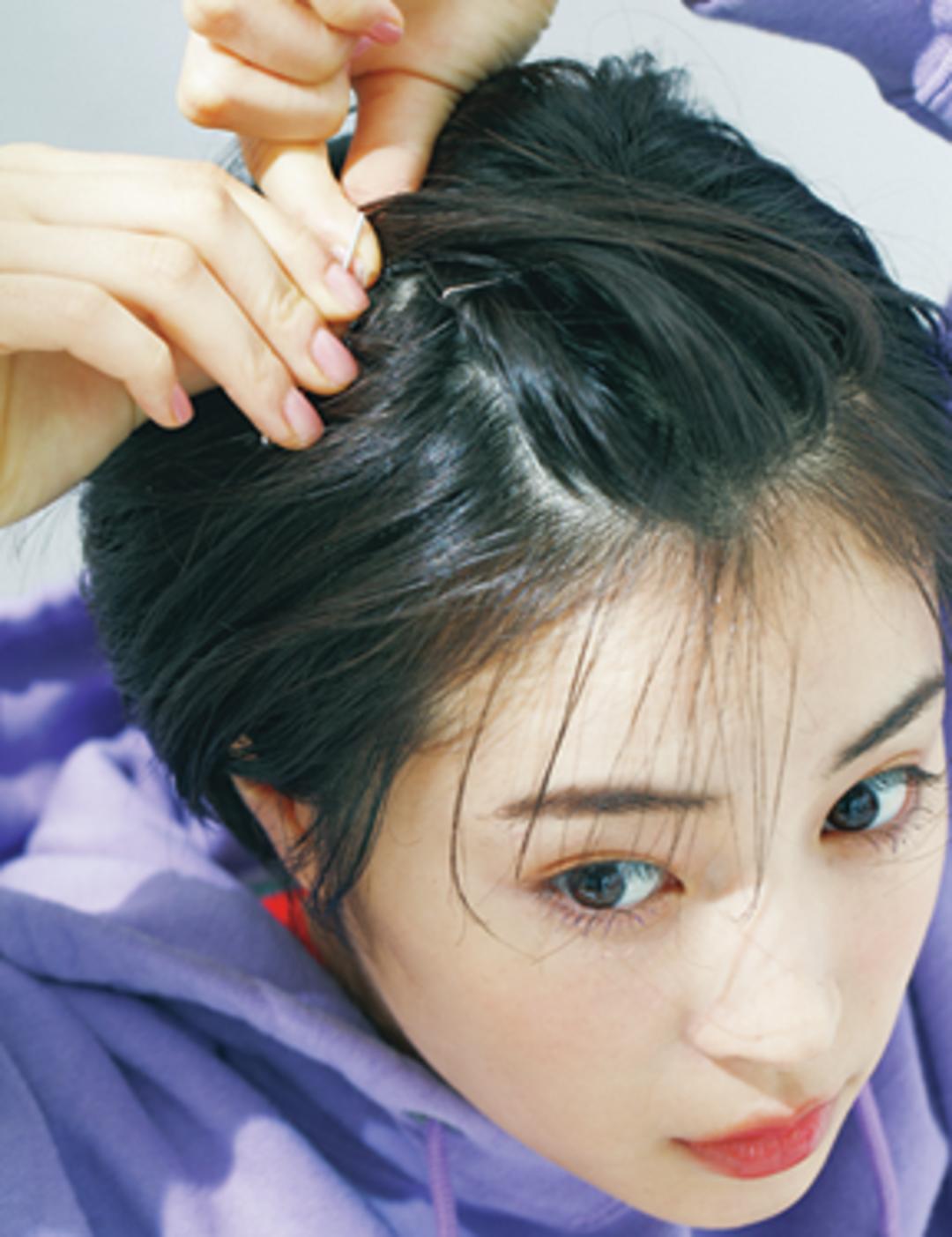 How to1 前髪をすくって&ねじって固定