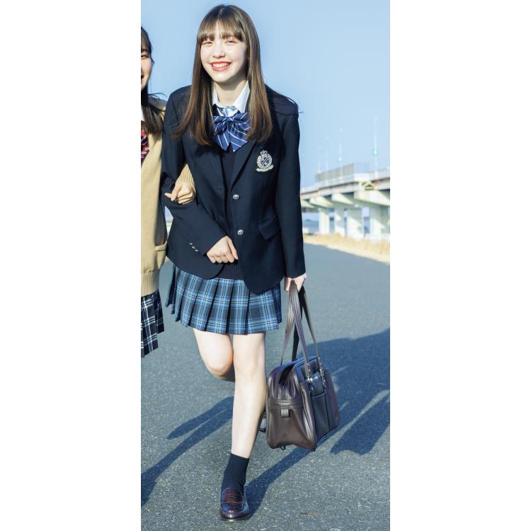 1位★紺ブレ×紺ベスト×チェックスカート=王道ヒロインコーデ