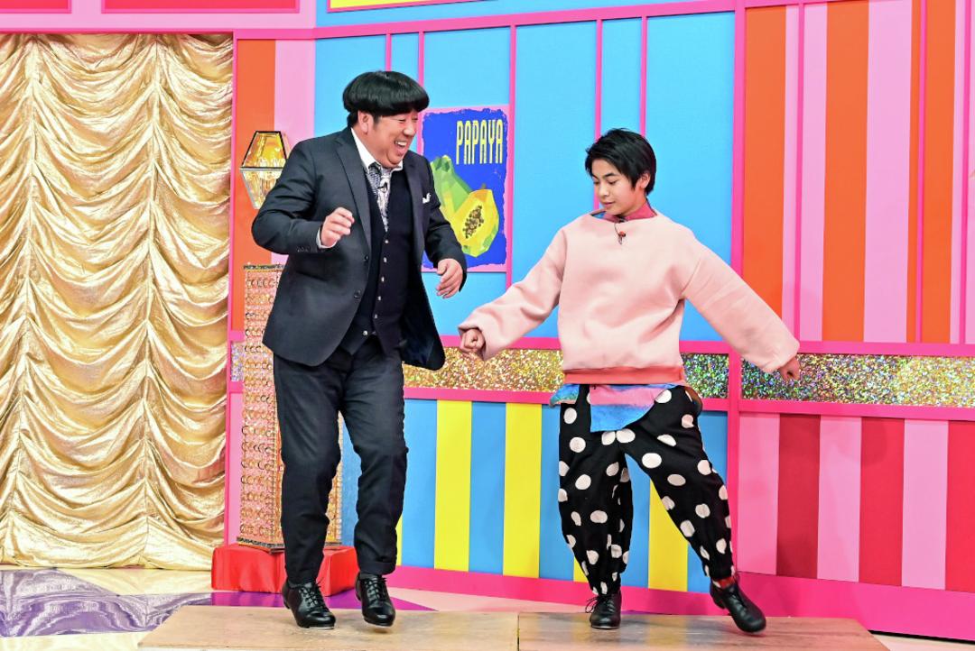 吉田日向くんは、日村さんとタップダンスを披露