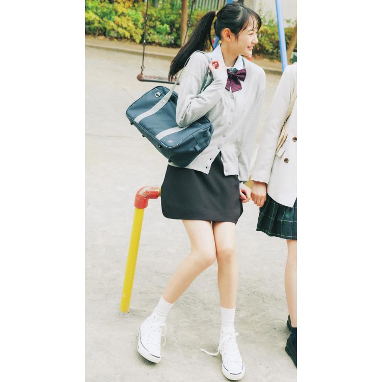 制服コーデだと…シンプルなのに女っぽ♡なK-GIRL風