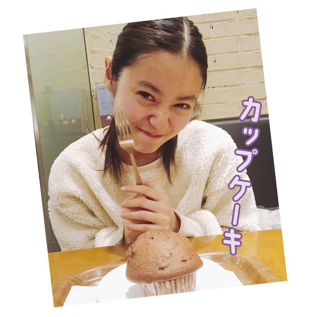 桃子はチョコカップケーキLOVE