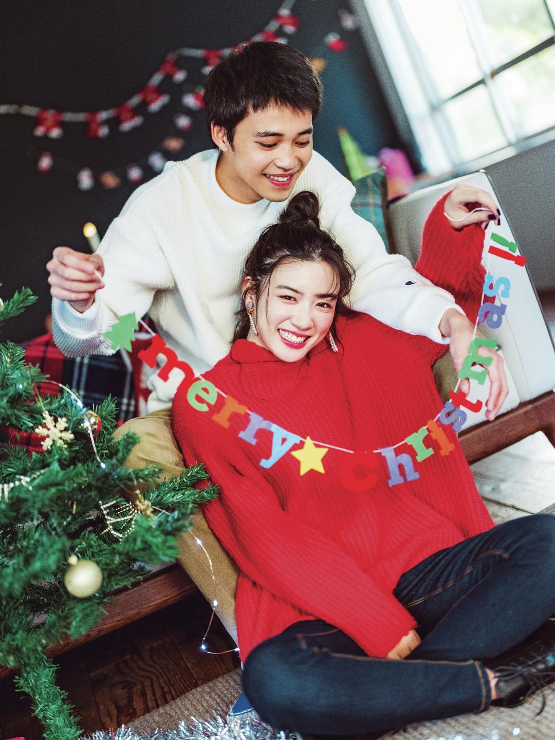 パーティ準備はクリスマスっぽさ 全開の赤ニット♡