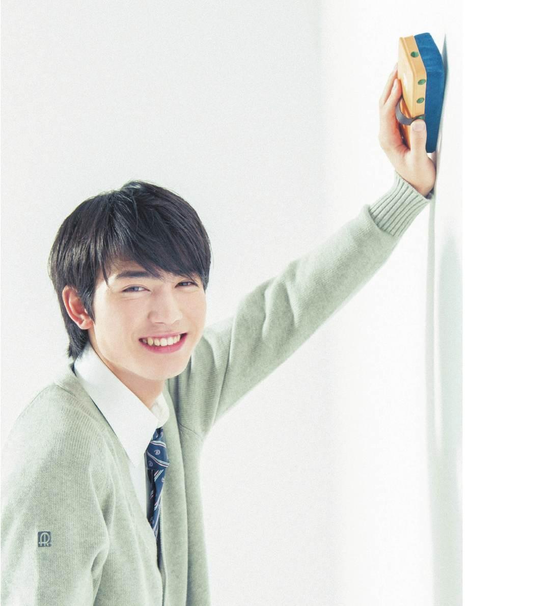 【脈アリ度92%】黒板消すのを手伝ってくれる♡