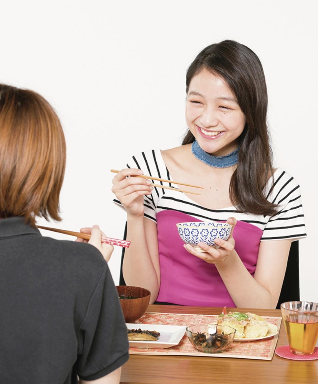 ゆっくり食べる友達のペース・量に合わせて食べる